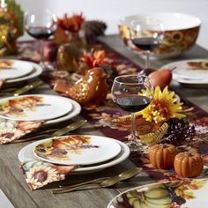 Inviting friends into our homes for a cozy night of delicious food, laughter and gratitude is our favorite way to share the holiday spirit. Welcome friends.  #Friendsgiving