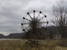 The terrifying story of Lake Shawnee, the cursed amusement park in West Virginia. But it is interesting local lore but it should be told from both sides of the story. Abandoned Theme Parks, Abandoned Amusement Parks, Abandoned Places, Abandoned Castles, Abandoned Mansions, Lake Shawnee Amusement Park, Terrifying Stories, Spooky Stories, Ghost World