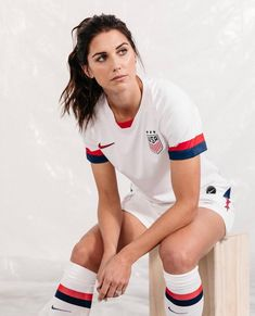 A girl who absolutely loves sports. Alex Morgan is my favorite athlete ever. Football Girls, Girls Soccer, Morgan Usa, Us Soccer, Nike Soccer, Soccer Cleats, Soccer Tips, Soccer Shoot, Football Soccer