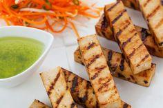 Grilované tofu so šalátom z mrkvy - Recept pre každého kuchára, množstvo receptov pre pečenie a varenie. Recepty pre chutný život. Slovenské jedlá a medzinárodná kuchyňa