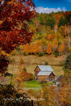 This is my Vermont Fall Foliage Gallery. Experience autumn by traveling the backroads of Vermont searching for New England fall colors Maple tree lined road with fall colors on 10 Oct New England Fall Foliage, Woodstock Vermont, Old Country Churches, Country Barns, Country Roads, Start Of Winter, New England Travel, Autumn Scenes, Fall Pictures