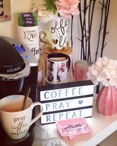 Good Morning! Have a blessed Sunday, GrramFam  #coffeeprayrepeat #mugshot #mugoftheday #instamug #mugstagram #muglover #mugcollector #mugalicious #happysunday #coffeesesh #coffestation #coffeebar #coffeebardecor #creationsbyzinel #zinnspiration