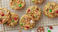 Chock-full of holiday M&M's® candies, mini marshmallows, pretzels, cocktail peanuts, holiday sprinkles—everything but the kitchen sink! Chocolate Chip Cookies, Gooey Cookies, Pudding Cookies, Cake Cookies, Cupcakes, Christmas Desserts, Christmas Cookies, Christmas Treats, Christmas Fun