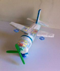 Baby shower, diaper cake airplane