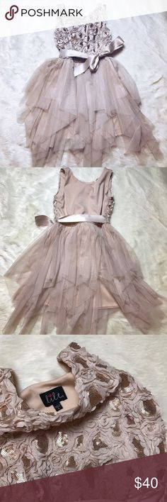 Beautiful size 8 lil girls Dress From my daughters Closet . Loved loved this dress . She never got to wear it . ✨Like New condition with out the tags . No flaws 🌪Super Fast Shipper . Same day if too late following Morning ☀️ Dresses Formal