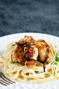 A must try! Five Ingredient Chicken Caramelized Onion Pasta http://dineanddish.net/2016/08/five-ingredient-chicken-recipe/