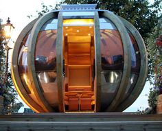 G-Pod summerhouse | More on: http://www.pinterest.com/AnkAdesign/structure-lines/