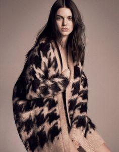 マックス マーラーのベージュベースの大柄 千鳥格子に女性らしさを感じる 千鳥格子スタイルのコーデ参考ファッション♪