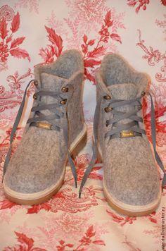 Купить или заказать Ботинки валяные женские Элли в интернет магазине на Ярмарке Мастеров. С доставкой по России и СНГ. Материалы: кардочёс, бергшаф. Размер: 39