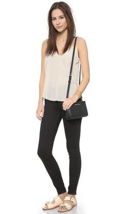 MICHAEL Michael Kors Selma Mini Messenger Bag Michael Kors Selma, Model Street Style, Street Style Women, Street Styles, Trendy Fashion, Fashion Tips, Fashion Spring, Runway Fashion, Fashion Shoes