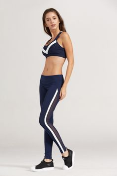 Sideline Leggings Leggings Fashion, Women's Leggings, Sport Outfits, Cool Outfits, Sagging Pants, Cute Workout Outfits, Yoga Pants Outfit, Moda Fitness, Body Under Construction