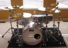 Very beautiful DW drumset!