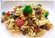 Herkullista ja nopeaa pastaa makuhermoja hivellen :P Feta Pasta, Pasta Salad, Pasta Dishes, Food And Drink, Favorite Recipes, Dinner, Baking, Ethnic Recipes, Foods