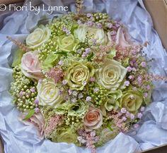Wedding Flowers Blog: Robyn's Soft, Summery Vintage Style Wedding Flower...