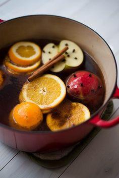 Easy Hot Apple Cider Recipe - Mulling
