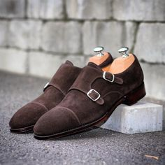 Skolyx.se | Our double monks on last 915 in dark brown suede....