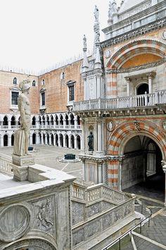 Palazzo di Doge - Venice| by © archer10 | via ysvoice