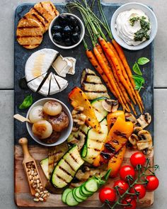 Amazing vegan antipasto platter with marinated grilled veggies tempeh pesto cream cheese and more! The perfect appetizer platter! Breakfast Platter, Snack Platter, Antipasto Platter, Antipasto Salad, Platter Ideas, Grilled Peppers, Grilled Veggies, Food Platters, Cheese Platters