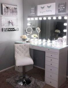 20 Best Makeup Vanities & Cases for Stylish Bedroom vanity ideas bedrooms DIY Makeup Room Ideas With Design Inspiration, Organizer & Picture Makeup Room Decor, Makeup Rooms, Makeup Studio Decor, Beauty Room Decor, Ikea Makeup, Sala Glam, Stylish Bedroom, Modern Bedroom, Contemporary Bedroom