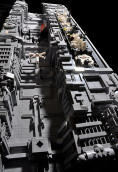 Lego should totally release this as a set! Death Star Trench by Si-MOCs, via Flickr Classis Sci Fi Images in minamalist LEGO!!