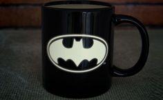 święcący w ciemności kubek Batman