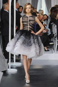 Saia em camadas + degradê = s2 Dior Verão 2012 HC.