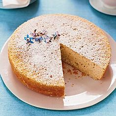 lemon cake Candied Lemon Slices, New York Style Cheesecake, Lemon Mousse, Garden Cakes, Walnut Cake, Thing 1, Toasted Marshmallow, Cream Cheese Icing, Round Cake Pans