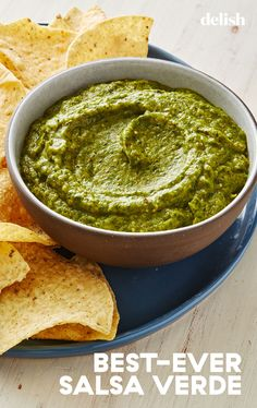 Nothing compares to homemade salsa verde. Summer Recipes, Healthy Dinner Recipes, Appetizer Recipes, Mexican Food Recipes, Appetizers, Ethnic Recipes, Mexican Cooking, Hispanic Dishes, Salsa Verde Recipe