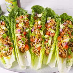 Low-Carb Turkey Taco Lettuce Cups No bread? No problem! Doubling up on romaine leaves insures a mess-free lunch, sans the carbs. If you're looking for more lettuce cups we love these easy Thai chicken lettuce cups! Get the recipe at . Lunch Recipes, Healthy Dinner Recipes, Mexican Food Recipes, Lettuce Wrap Recipes, Easy Recipes, Healthy Appetizers, Low Calorie Recipes, Diabetic Recipes, Healthy Lettuce Wraps