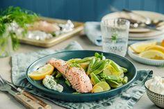 Laks i folie, grønnsaker og urtedressing Frisk, Fresh Rolls, Feta, Salmon, Seafood, Grilling, Ethnic Recipes, Sea Food, Crickets