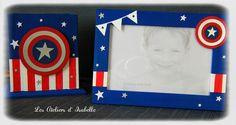 Cadre pour photo 10x15, personnalisé thème Captain América avec Bannière, bouclier et étoiles. Blanc, rouge, bleu et argent. Idée cadeau pour toute occasion, naissance, anniversaire... Ici accompagné du pot à crayons assorti