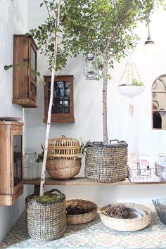 Ibiza-style garden Source by Porch Garden, Garden Edging, Rooftop Garden, Indoor Garden, Outdoor Gardens, Diy Deck, Diy Patio, Ibiza Stil, Front Deck