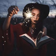 What a fun way to play with sparklers! Halloween Photography // Fall Photography // Sparkler Photography // Halloween Photography Session