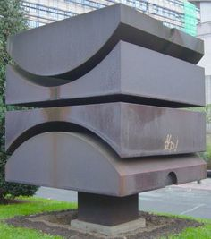 Jacques Moeschal: Cube