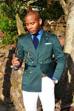 Mens suits - 25 Stunning Double Breasted Suit Ideas To Try This Year Suit Fashion, Mens Fashion, Fashion 2018, Daily Fashion, Blazer Outfits Men, Groom Tuxedo, Green Blazer, Double Breasted Jacket, Sport Chic