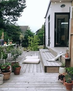 √ Best Garden Decor Design and DIY Ideas - Garten/Scheune - Garden Deck Diy Pergola, Cheap Pergola, Outdoor Spaces, Outdoor Living, Outdoor Decor, Amazing Gardens, Beautiful Gardens, Summer Diy, Scandinavian Design
