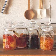 お酢が身体にいいというのは、何度も聞いたことがあるはず!最近では、おいしいフルーツをつかったお酢もたくさん販売されていますが、実はフルーツビネガー…