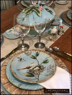Pin by Choose Curiosity on Home decor in 2019 Harp Design Co, Beautiful Table Settings, Easter Table, China Patterns, Deco Table, Dinnerware Sets, Holiday Tables, Decoration Table, Dinner Table