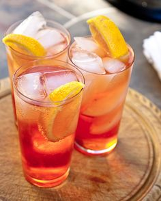 Aperol Spritz - Top Cocktail Recipes - Cocktails for Women #topcocktailrecipes