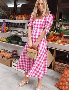 7 Simple Dress-and-Sandals Outfits That Always Look Stylish Vestidos Zara, Outfit Vestidos, Fashion Me Now, Fashion Outfits, Dress Fashion, Ladies Fashion, 21st Dresses, Zara Dresses, High Street Dresses