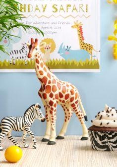 Create safari fun with creative DIY birthday party ideas.