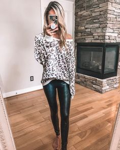 it, a shopping discovery app that allows you to instantly shop your favorite influencer pics across social media and the mobile web. Casual Leggings Outfit, Legging Outfits, Leopard Leggings Outfit, Leder Outfits, Casual Fall Outfits, Tribal Leggings, Leggings Fashion, Stylish Outfits, Leather Pants Outfit