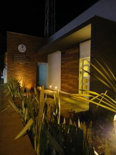 Fachada Clínica Odontológica  - Londrina-PR. Arquitetura Odemilson Santos/Emerson Ribeiro