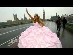 Gypsy Wedding Dresses - I only wanna be a gypsy for one day! In THIS dress!