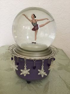 Hallmark 2002 Salt Lake Olympic Medallist Michelle Kwan Japan Musical Snow Globe | eBay
