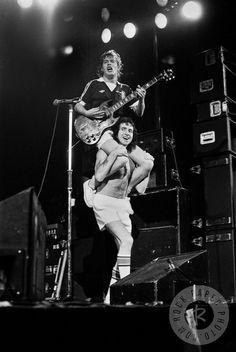 Angus Young/Bon Scott