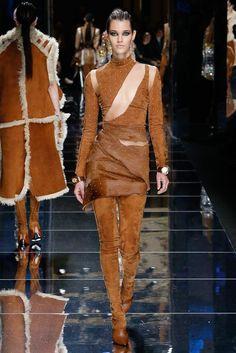 Runway / Balmain / Paris / Herbst 2017 / Kollektionen / Fashion Shows / Vogue Fashion Line, Fashion 2017, Runway Fashion, High Fashion, Winter Fashion, Fashion Show, Fashion Outfits, Womens Fashion, Balmain Paris