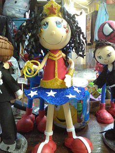 Colección de super héroes hechos por creaciones de Susan