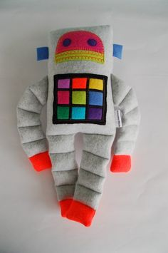 Handmade Robots and baby items by Abby Walls par busybot - Plushies Softies, Plushies, Sewing Crafts, Sewing Projects, Fabric Toys, Sewing Dolls, Felt Toys, Stuffed Animals, Diy Toys