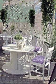Мебель для отдыха из поддонов своими руками Using Pallets and Crates to Make the Cafe Garden